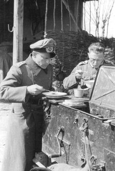 Rare Photos of Nazi Soldiers' Lives During World War II (81 photos)