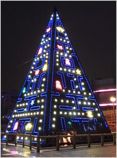 Video Game Christmas Tree Christmas Tree Pictures, Creative Christmas Trees, Xmas Tree, Holiday Tree, Christmas Games, Christmas Lights, Merry Christmas, Christmas Ideas, Christmas Crafts