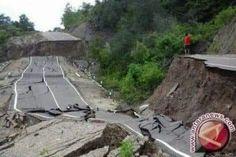Akses ke palu setelah tsunami 2018 Tsunami, Tsunami Waves