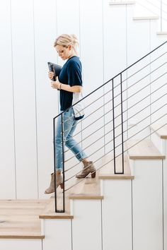 Staging — Lexi Grace Design Modern vertical shiplap with wood plank stairs and metal railing Interior Stair Railing, Modern Stair Railing, Staircase Handrail, Balcony Railing Design, Metal Stairs, Metal Railings, Modern Stairs, Staircase Design, Spiral Staircases