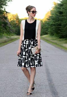 Black and white print skirt  |  Laura Wears