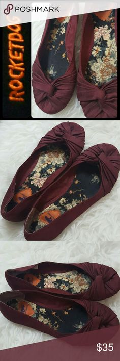 Rocket Dog Maroon Flats Rocket Dog Signature Shoes in Classic Flats! Feminine Style Vamp in Lovely Maroon Shade! Lightly Soft Passed Footbed for Added Comfort! Sized 7M, Used in Mint Condition! Rocket Dog Shoes Flats & Loafers
