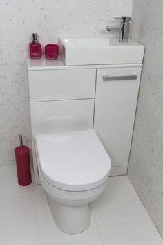 New Bathroom Shower Tub Space Saving Ideas Tiny Bathrooms, Tiny House Bathroom, Bathroom Toilets, Bathroom Small, Compact Bathroom, Bathroom Pink, Cloakroom Toilet Small, Attic Bathroom, Small Toilet Room