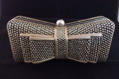 Catawiki online auction house: Envelope purse in the shape of a bow