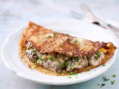Muurinpohjaletuissa maistuu kesä! Lettutaikina saa lisämakua ohrasta. Kokeile lettujen kanssa kermaista raparperi- tai suolaista kinkkutäytettä.