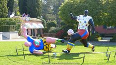 sculpture footballers nikki de st phalle musée olympique Lausanne