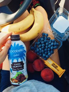 annietarasova: Running errands alllllll day This is my dinner on-the-go… Choc almond smoothie, banana bar, peaches, blueberries and bananas #vegan IG: @annietarasova