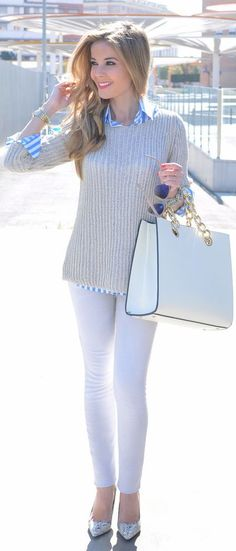 Outfit ideas. White jeans. Metallic pumps. Zara Grey Knit Sweater by Te Cuento Mis Trucos.