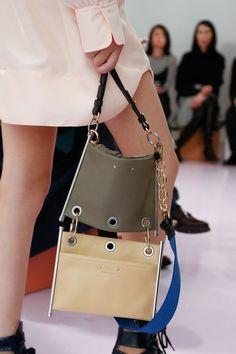 Chloé Spring 2018 Ready-to-Wear Fashion Show ♪