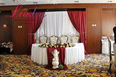 Свадьба в стиле марсала в гостинице Пекин Оформление свадьбы в стиле марсала (marsala) в гостинице Пекин (Минск) в начале мая 2016 года.  Свадьба на 60 человек. Оформлялся президиум молодых, стол для дарения, пригласительные, карточки рассадки, план рассадки, салфетки, номера столиков и фото-зона. Изюминка свадьбы - цветочная стена в качестве фото-зоны из бумажных цветов. #украшениезала #свадьба #оформлениезала #декор #тканьевоеоформление #wedding #оформлениесвадьбы #свадебныйдекор #decor