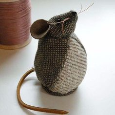 Tweed Fabric Mouse- could also probably figure out without a pattern. tweed body, leather strips for tail, whiskers, and ears.Strategies to assist you to Greatly enhance Your comprehension of fabric craftsStargazey mouse looks longingly up at the moo Sewing Toys, Sewing Crafts, Sewing Projects, Fabric Remnants, Fabric Scraps, Felt Crafts, Crafts To Make, Mouse Crafts, Felt Mouse
