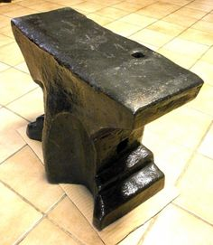 "A082-04 Anvil. In the collection of ""Lesoutils Demagic""."