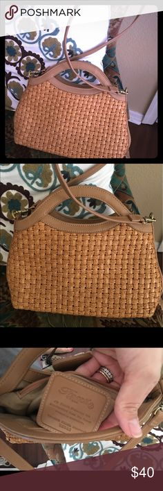 EUC  woven FOSSIL crossbody EUC  woven FOSSIL crossbody, only sigh of wear is on the bottom Fossil Bags Crossbody Bags