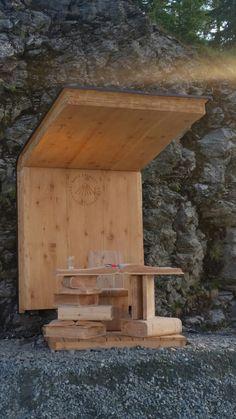 Wow wunderschöne Bühne für das Top-Event Berg ErLesen in Bad Kleinkirchheim   www.almrausch.co.at Berg, Firewood, Texture, Crafts, Summer, Nice Asses, Surface Finish, Crafting, Diy Crafts