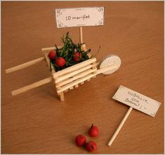 LOBZIK - JIG - Matches, as a material for craft projects - The idea of ​​the day. - News Popsicle Stick Crafts, Craft Stick Crafts, Preschool Crafts, Home Crafts, Diy And Crafts, Crafts For Kids, Miniature Crafts, Miniature Fairy Gardens, Fairy Garden Furniture