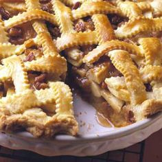 Our 33 pies, crisps, cakes, cookies and breads will fill your kitchen with the flavors of fall: crisp apples, creamy caramel, fragrant cinnamon, toasted nuts and more.