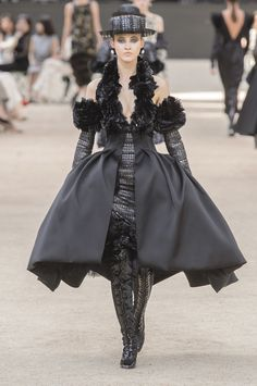 Chanel Fall 2017 Couture Fashion Show