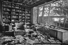 © Blende, Silke Kemmer, #Bibliothek | #bw #abandoned #verfallen #library #sw