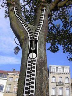 Tree Zipper ~~ For more:  - ✯ http://www.pinterest.com/PinFantasy/arte-~-callejero-3d-street-3d-art/