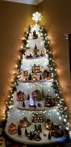 Awesome DIY Christmas decorations on a budget - Christmas Village Ad - Weihnachtsideen Christmas Tree Village Display, Wall Christmas Tree, Christmas Villages, Christmas Wood, Christmas Projects, Christmas Holidays, Christmas Mantles, Victorian Christmas, Ornament Display Tree
