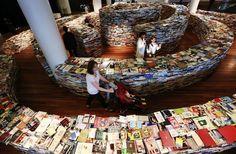 25万冊の本で迷路01