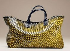 Bottega Veneta, best leather bags ever. Fashion Handbags, Tote Handbags, Fashion Bags, Leather Handbags, Leather Bags, My Bags, Purses And Handbags, Luxury Bags, Beautiful Bags