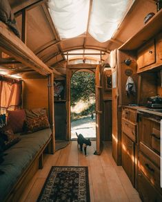Feeling so warm and cosy in this tiny House Tiny House Movement // Tiny Living // Tiny House on Wheels // Tiny House Living Room // Tiny Home Kitchen // Tiny Home // Architecture // Home Decor Tiny House Nation, Tiny House Trailer, Bus Living, Tiny House Living, Tiny House Movement, Tiny House Design, Home Design, Design Ideas, Houses Architecture
