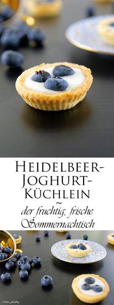 Mini Heidelbeer-Joghurt-Küchlein sind der fruchtig, frische Sommernachtisch. Sie eignen sich perfekt für ein Picknick, ein Buffet oder eine Kuchentafel.