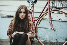 girl,bicycle,photography,portrait-43407dbe7909a434128f84abc82695d2_h