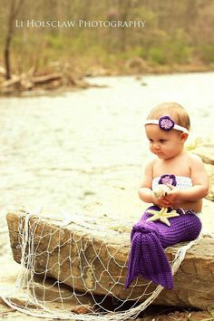 I dieeee of cuteness. I have an obsession with little girls and mermaids
