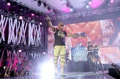 Flo Rida onstage at the 2016 iHeartRadio Summer Pool Party at Fontainebleau. #fontainebleau #iheartradio #bleaulive