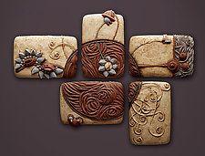 "Penta-molinillo de viento por Christopher Gryder (escultura de cerámica de pared) (26 ""x 35"")"