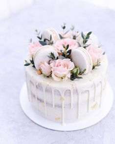 Birthday Cake Decorating Design Awesome 54 Ideas – Cakes and cake recipes Pretty Cakes, Cute Cakes, Beautiful Cakes, Amazing Cakes, Gateau Baby Shower, Creative Birthday Cakes, 18 Birthday Cakes, Elegant Birthday Cakes, Pretty Birthday Cakes