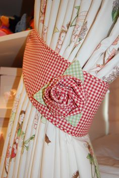 Gingham tieband with rose
