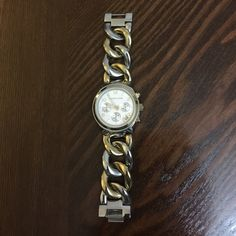 ‼️FIRM‼️Authentic Michael Kors Watch! Really nice gold silver chain watch, comes with a box and its brochure, wore 2 or 3 times. Price is firm its in great condition! Michael Kors Accessories Watches