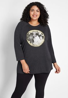 Full Moon Rising Raglan Tee - Soar through the night to your spookiest festivities in this black raglan tee! Quirky and casual, this long sleeve top offers a comfy stretch knit fabric, a crew neckline, and full moon graphic at the front. Plus Size Blouses, Plus Size Tops, Curvy Outfits, Plus Size Outfits, Full Moon Rising, Stylish Plus, Other Outfits, Raglan Tee, Trendy Tops