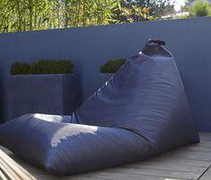 Déco extérieure : osez le mur jardin peint en couleur - Joli Place