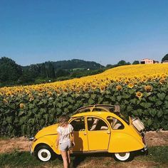 Vintage retro photography inspiration Ideas for 2019 Yellow Photography, Retro Photography, Fashion Photography, Yellow Car, Mellow Yellow, Yellow Fever, Style Vintage, Retro Vintage, Wedding Vintage