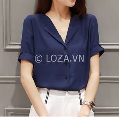 72 shirts blouses that look fantastic 17 ~ Litledress Formal Tops, Casual Tops, Casual Shirts, Korea Fashion, Summer Shirts, Business Fashion, Fashion Outfits, Womens Fashion, Shirt Blouses