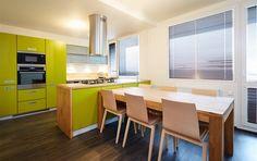 kuchyn v panelaku http://bydleni.idnes.cz/rekonstrukce-panelakoveho-3-1-na-proseku-f0q-/panelakovy-byt.aspx?c=A140130_105311_panelakovy-byt_rez