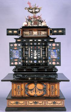 The Augsburg Art Cabinet found on the wonderful site of the amazing Pilar Plaza ! #Voilá!