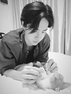 Yibo and a kitty
