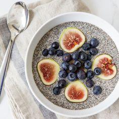 Fig & Blueberry Chia Pudding #breakfast #healthy www.goachi.com