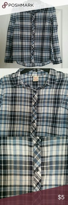 Long sleeve shirt size M Lightweight button down shirt in great condition. Size M (8-10). %100 cotton Faded Glory Tops Button Down Shirts