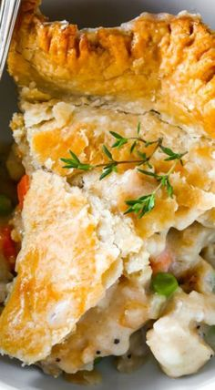This double crust chicken pot pie is perfect when you're looking for comfort food and don't have all the time and energy in the world to whip it up! Casserole Recipes, Crockpot Recipes, Cooking Recipes, Cooking Videos, Chicken Casserole, Delicious Recipes, Yummy Food, Easy Chicken Pot Pie, Chicken Recipes