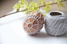 Návod na obháčkovaná velikonoční vajíčka – Prošikulky.cz Easter Crochet, Diy And Crafts, Crochet Earrings, Place Cards, Place Card Holders, Knitting, Google, Easter, Easter Activities