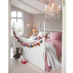 Love this knitted Advent Garland!