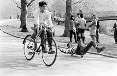 <b>In the early 1960s, Bill Eppridge of <i>Life</i> magazine captured the dawn of New York City skating in this awesomely antique photo series.</b>
