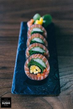 Couldn& not pin this it looks so yummy Have ne Couldnt japonaise né pin yummy is part of Sushi recipes - Sushi Recipes, Asian Recipes, Cooking Recipes, Cooking Food, Food Platters, Food Presentation, Food Plating, My Favorite Food, Food Inspiration