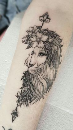 50 Eye-Catching Lion Tattoos That'll Make You Want To Get Inked - awesome lio. - 50 Eye-Catching Lion Tattoos That'll Make You Want To Get Inked – awesome lion tattoo ideas fo - Tattoo Girls, Girl Leg Tattoos, Leo Tattoos, Mini Tattoos, Couple Tattoos, Animal Tattoos, Body Art Tattoos, Lion Leg Tattoo, Tatoos